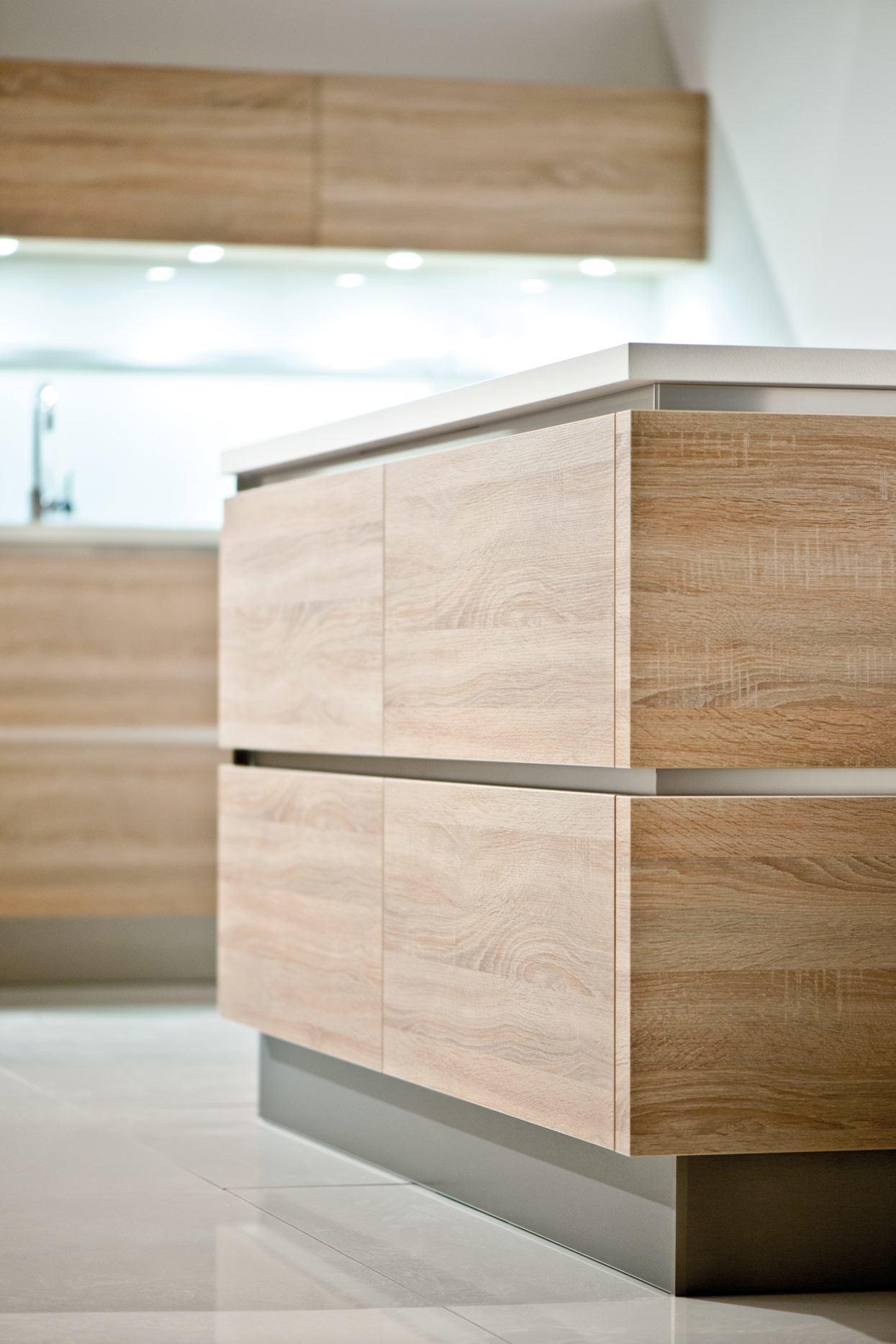 KandI Kitchens handle-less island