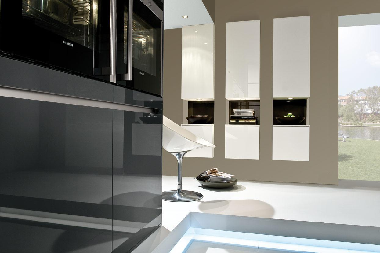 K and I Kitchens - carbon-coloured high-gloss